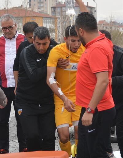 Ağzına arı kaçan futbolcu hastaneye kaldırıldı
