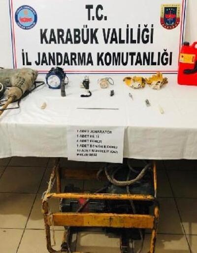 Karabük'te define arayan 3 kişi yakalandı