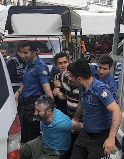 Pazarda minibüs arbedesi: Polis biber gazı kullandı