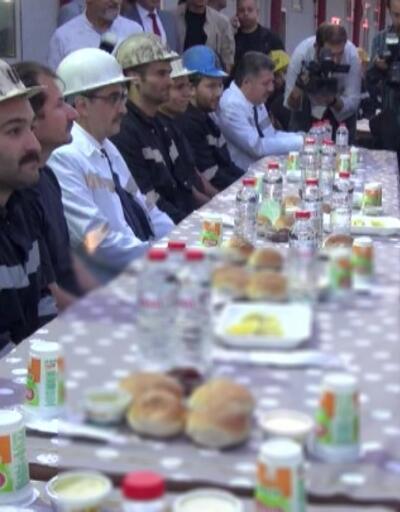 Soma'da madencilerle iftar