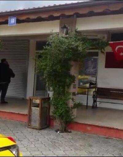Taksi durağındaki Türk bayrağını yakan şüpheli yakalandı