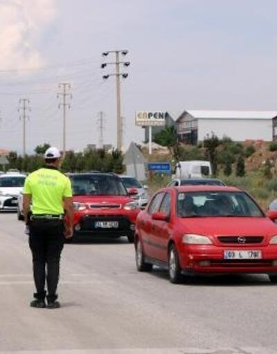 Afyonkarahisar- Antalya yolunda bayram yoğunluğu