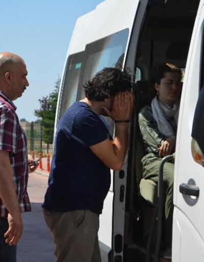 Midilli'ye kaçarken yakalanan 9 FETÖ şüphelisi tutuklandı