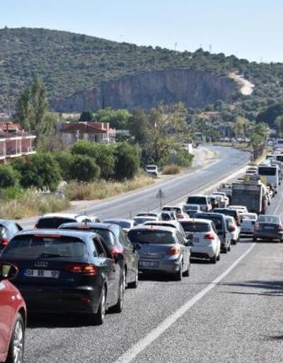 Kuşadası'na, 7 günde 310 bin araçla giriş yapıldı