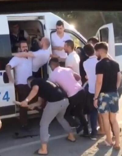 Arnavutköy'de kaza sonrası kavga kamerada
