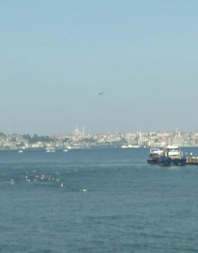 80 kişilik grup Kız Kulesi'ne yüzdü