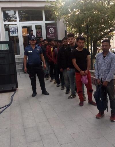 Keşan'da 17 kaçak göçmen yakalandı