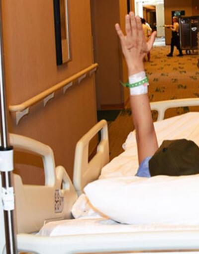 Berfin heyecanla beklediği ameliyata el sallayarak girdi