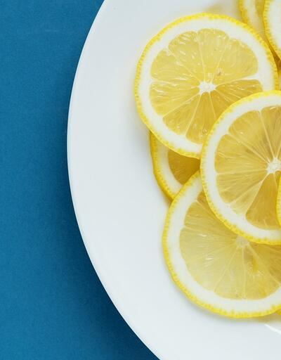 Başucunuza limon dilimleri koyup uyuduğunuzda bakın vücudunuza neler değişiyor!