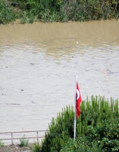 Karadeniz, sağanak sonrası kirlendi