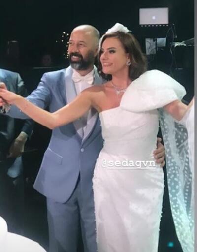 Mutlu son! Ünlüler bu düğüne akın etti...