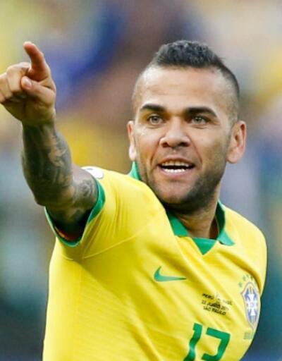 Dani Alves PSG'den ayrıldı
