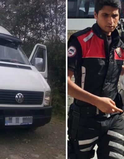 Uzaklaştırma kararı olan koca eşini minibüste bıçakladı