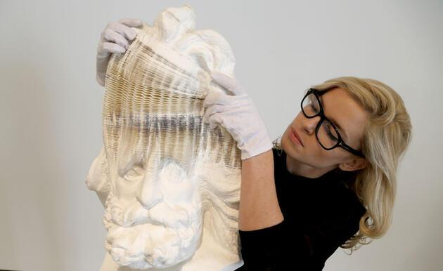 Esnek heykeller şaşırtıyor