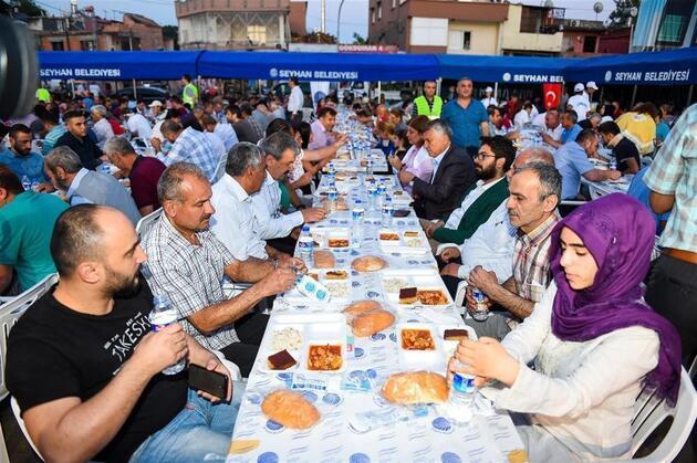 Seyhan'da her gün bir mahallede iftar sofrası
