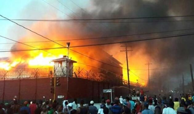 Guyana'da hapishaneyi ateşe verdiler... Ölü ve yaralılar var!
