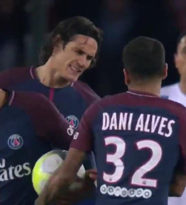 PSG karıştı: Neymar, Instagram'da Cavani'yi takibi bıraktı