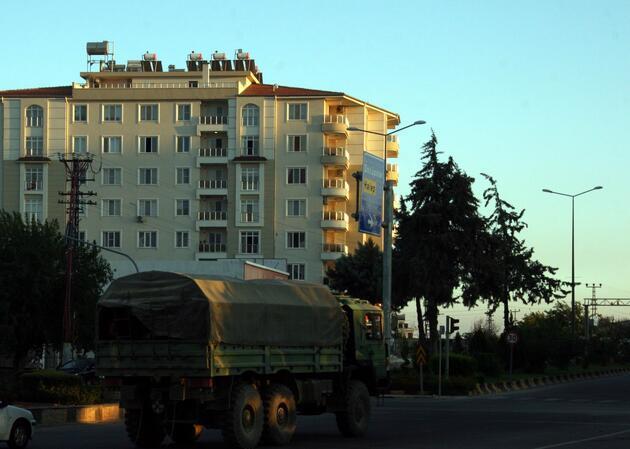 Suriye'ye 20 araçlık askeri sevkiyat