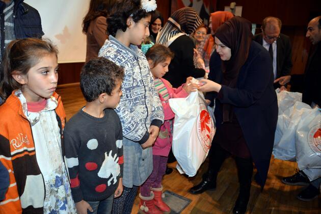 TOGEMDER'den 1500 çocuğa kışlık kıyafet