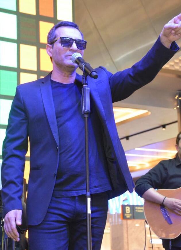 Rafet El Roman: Ben aşk adamıyım