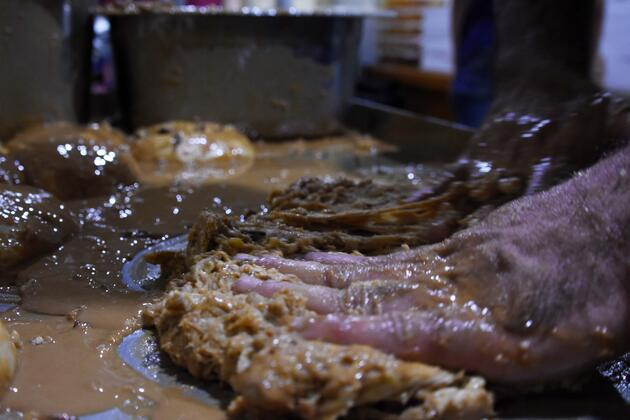 Konya'da ramazanın vazgeçilmez lezzeti; tahinli pide