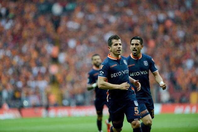 Başakşehir'de 6 futbolcu gidiyor