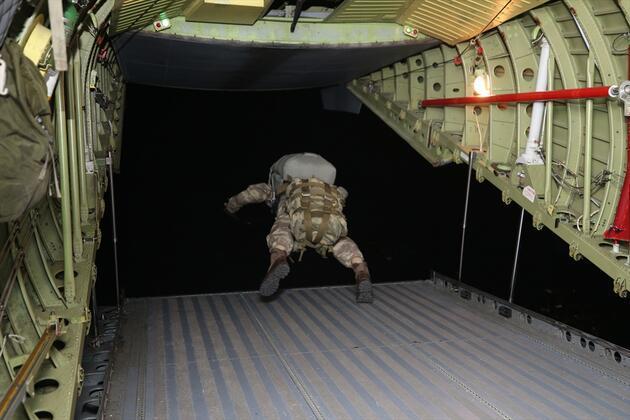 Yarasa Komandolar'dan gece operasyonu