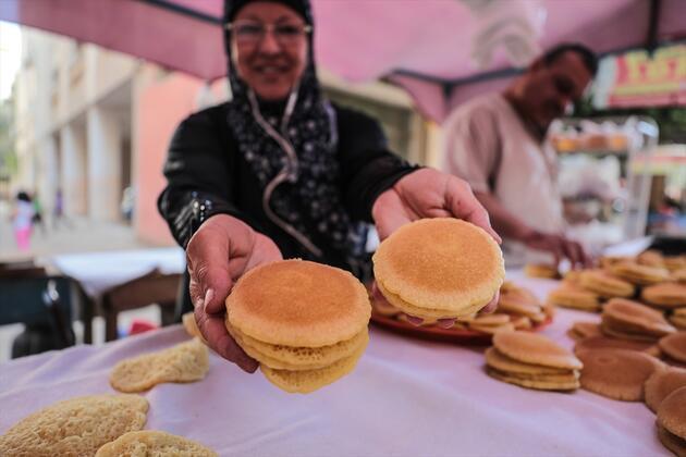 Gazze'nin meşhur ramazan tatlısı kadayıfın ilk kadın ustası