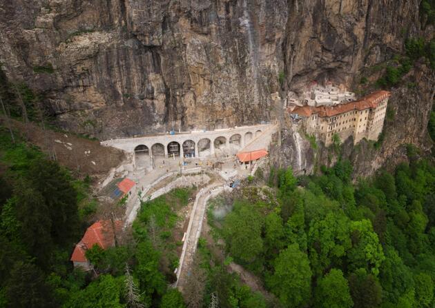 Sümela Manastırı'nın restorasyonunda en zor görevleri onlar gerçekleştirdi