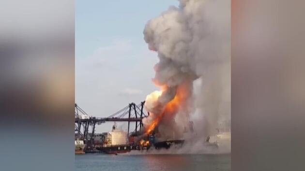 Tayland'da kimyasal madde taşıyan gemi yandı: 130 kişi hastanelik oldu