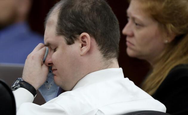 5 çocuğunu vahşice katletti: O görüntüleri görünce gözyaşlarını tutamadı