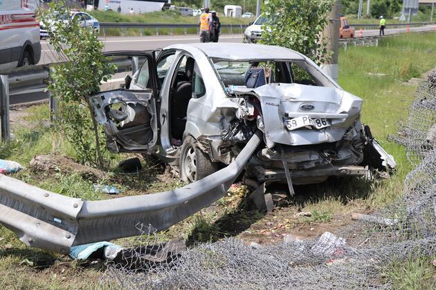 TEM'de feci kaza: Acılı baba, ölen oğlunun yanından ayrılamadı