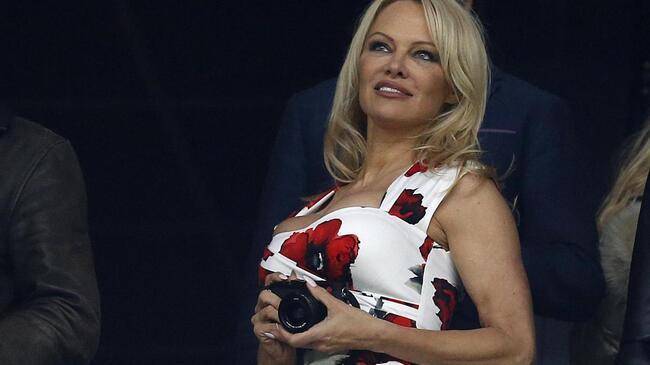 Pamela Anderson aldatıldığını açıkladı