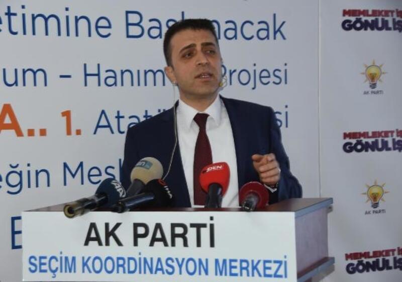 AK Parti'nin Buca adayı Arslan, vaatlerini noterden tasdikletti