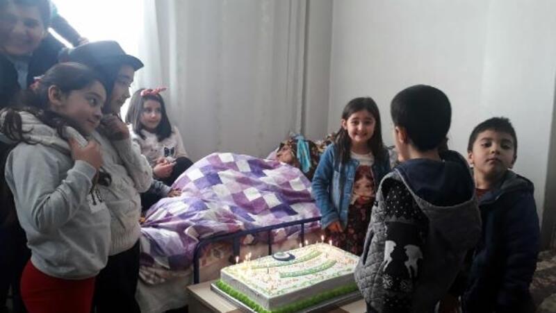 Elif nineye, 100'üncü yaş günü kutlaması