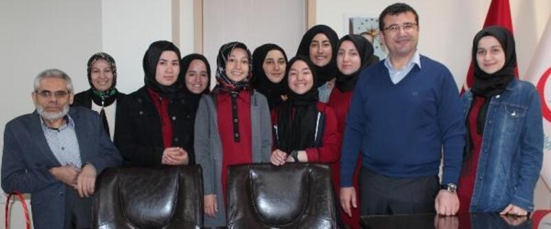 İmam Hatipli öğrencilerden hastalara manevi destek