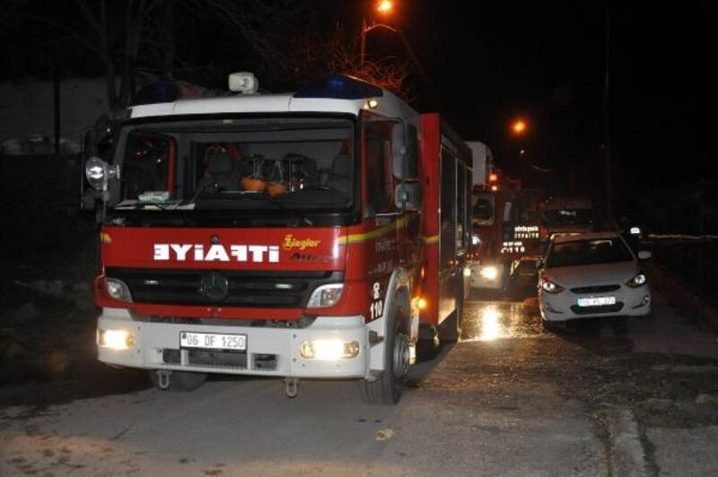 Suriyeli ailenin evinde çıkan yangında 8 kişi dumandan etkilendi