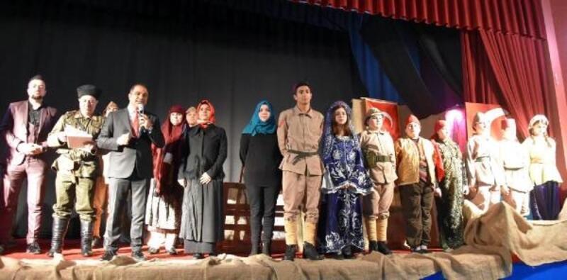 Alaşehir'de 18 Mart'a özel 'Asla Dönmeyi Düşünmediler' oyunu