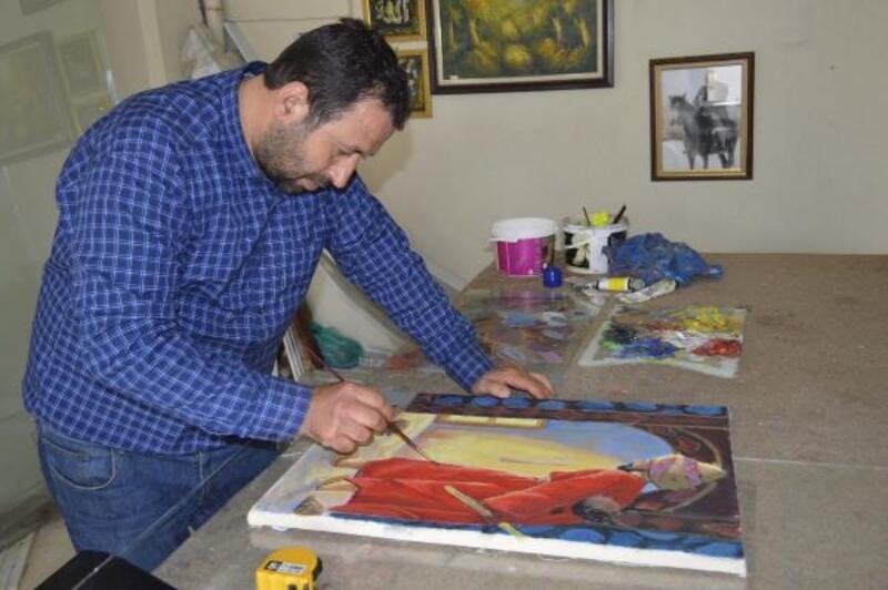 Çerçeve yaptığı resimlere özenip ressam oldu