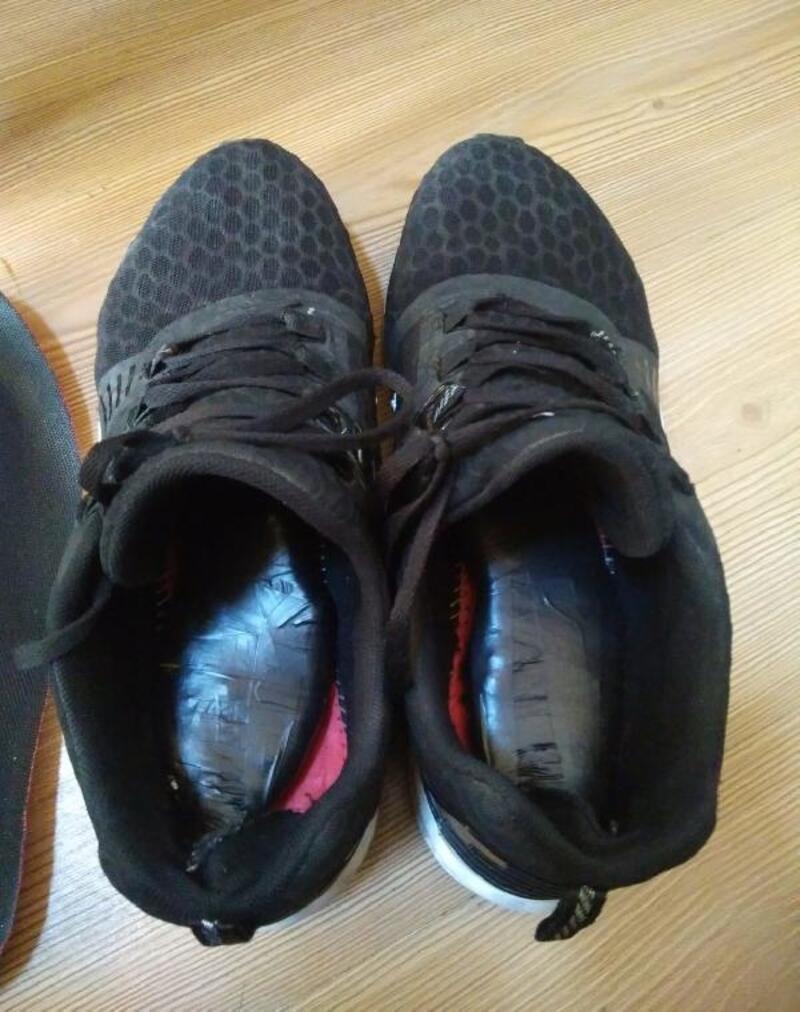 Uyuşturucuyu ayakkabısının içine gizlemiş