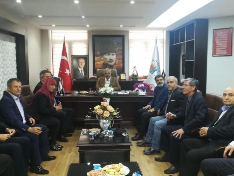 Gazetecilerdenyeni başkanlara tebrik ziyareti