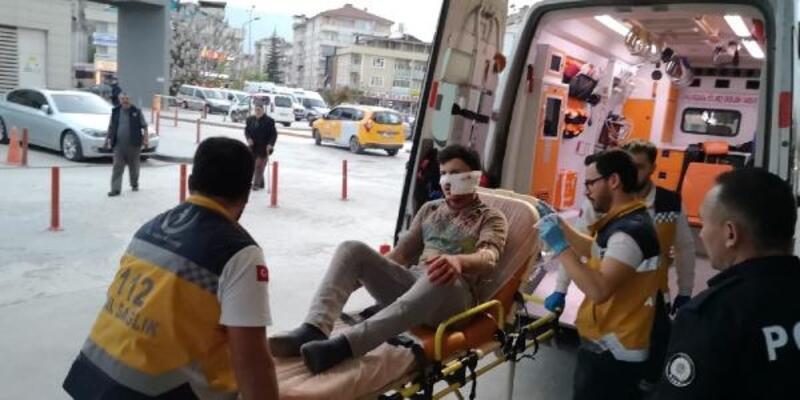 Borç nedeniyle tartıştığı arkadaşını falçataylayüzünden yaraladı
