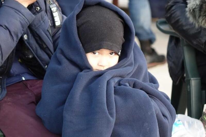 Çanakkale'de Afganistan uyruklu 74 kaçak yakalandı
