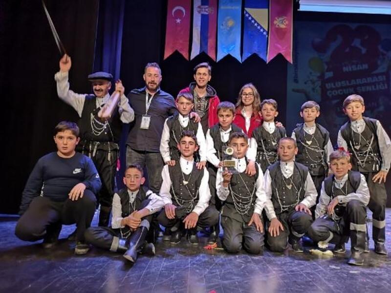 Trabzon'lu çocuklar İstanbul'dan birincilikle döndü