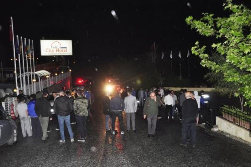 Antalya'da otelde çıkan yangın panik yarattı