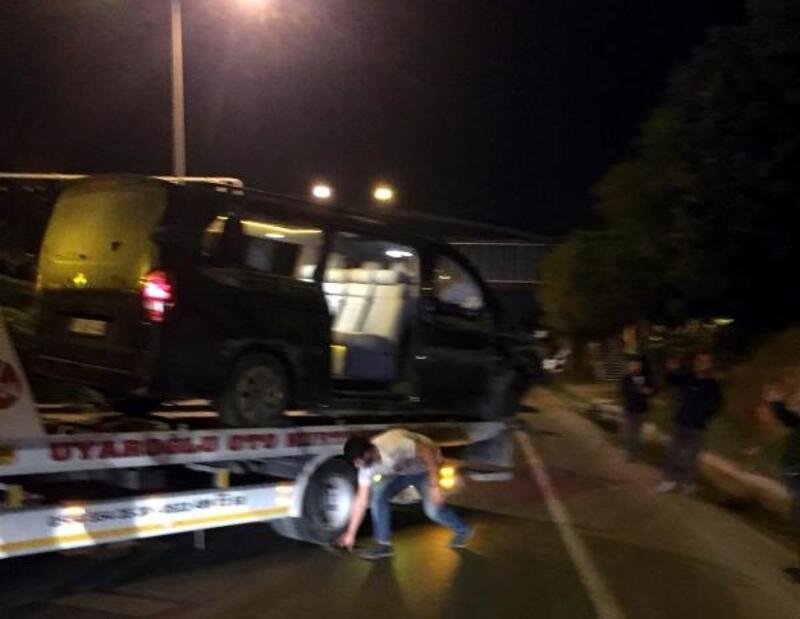 Aytemiz Alanyasporlu futbolcuları taşıyan minibüs kaza yaptı: 1'i ağır 3 futbolcu yaralı