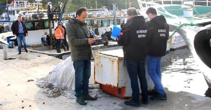 Marmara Denizi'nde yasa dış avlanan balıkçılara baskın