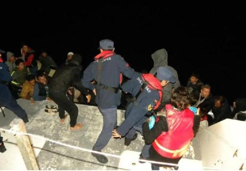 Kuşadası açıklarında 50 kaçak göçmen yakalandı