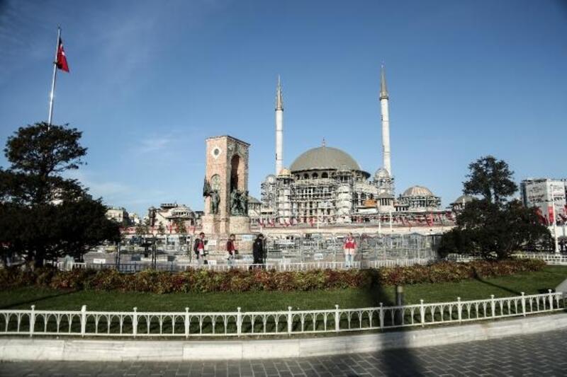 Taksim'de geniş güvenlik önlemleri