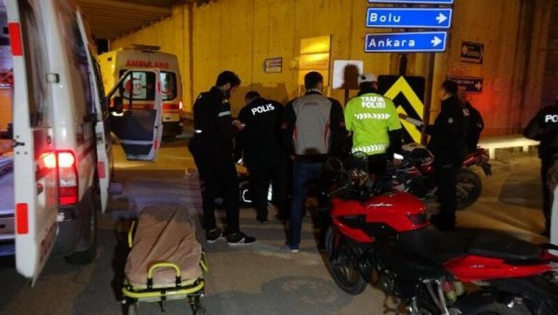 Motosiklet kazasında 2 kişiyi kaskları kurtardı